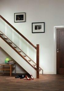 Moderne nieuwe trap