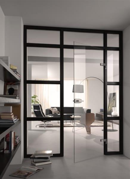 Glazen deur met beslag