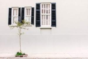 Wit buitenschilderwerk