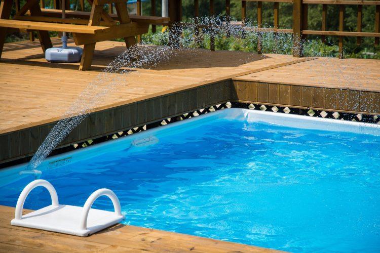 Zwembad bouwen tuin